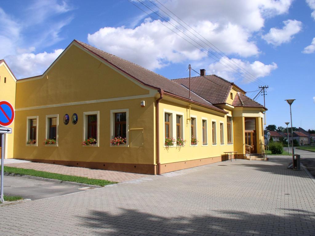 Obecní budovy a pozemky